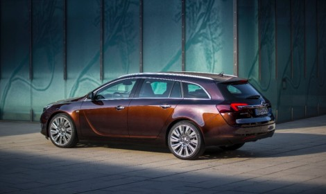 Opel-Insignia-Sports-Tourer-287729-medium